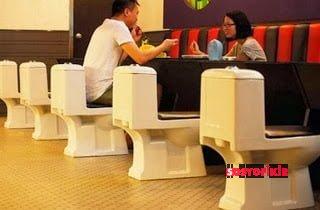 """Çin'in En Lezzetli Lokantası """"Tuvalet Restoran"""" 3"""