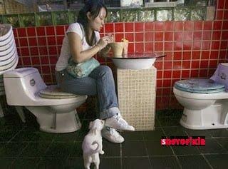 """Çin'in En Lezzetli Lokantası """"Tuvalet Restoran"""" 6"""